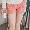 以高密度的斜紋布來裁製成的褲子,穿起來更挺,版型更好看。