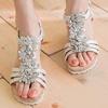立體小花美腳背設計輕量楔型厚底,好穿好走改良楦型,符合亞洲女性腳型設計