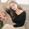 ◆ 深V綁帶的造型設計,展現女人的性感鎖骨,此款可以正反兩穿,多重穿搭。