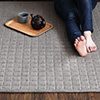方格車縫,柔和美感底部止滑設計,不易位移電熱毯上也可以使用可機洗,易於保持整潔