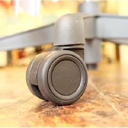 更換 Aeron 2.0專用靜音輪(木質地板適用)