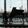 Die schöne Klavierspielerin