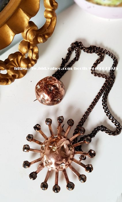 妍媽咪ㄉ西洋古董 ~美國1960s 太陽 星星系Double双胸針~ Vintage 復古 珠寶~
