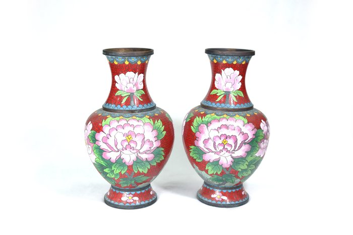 《博古珍藏》早期收藏.銅胎景泰藍描金花卉紋花瓶一對.高24公分.老件擺件.佛堂插花.非銅爐鐵壺.超值回饋