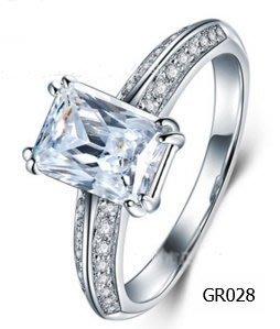 鑽戒2克拉母綠切割 求婚 結婚 情人節禮物 鑽石高仿真鑽石純銀戒指 首飾   FOREVER鑽寶