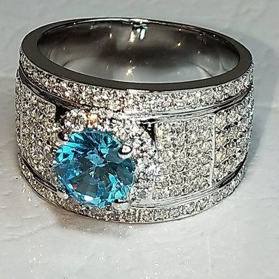 莫桑鑽寶藍鑽主鑽1克拉圍一圈小鑽擴大鑽石滿天星925純銀鍍鉑金指環 鑲嵌高碳鑽男女同款戒指鑽戒高碳莫桑鑽歡迎訂製特價優惠