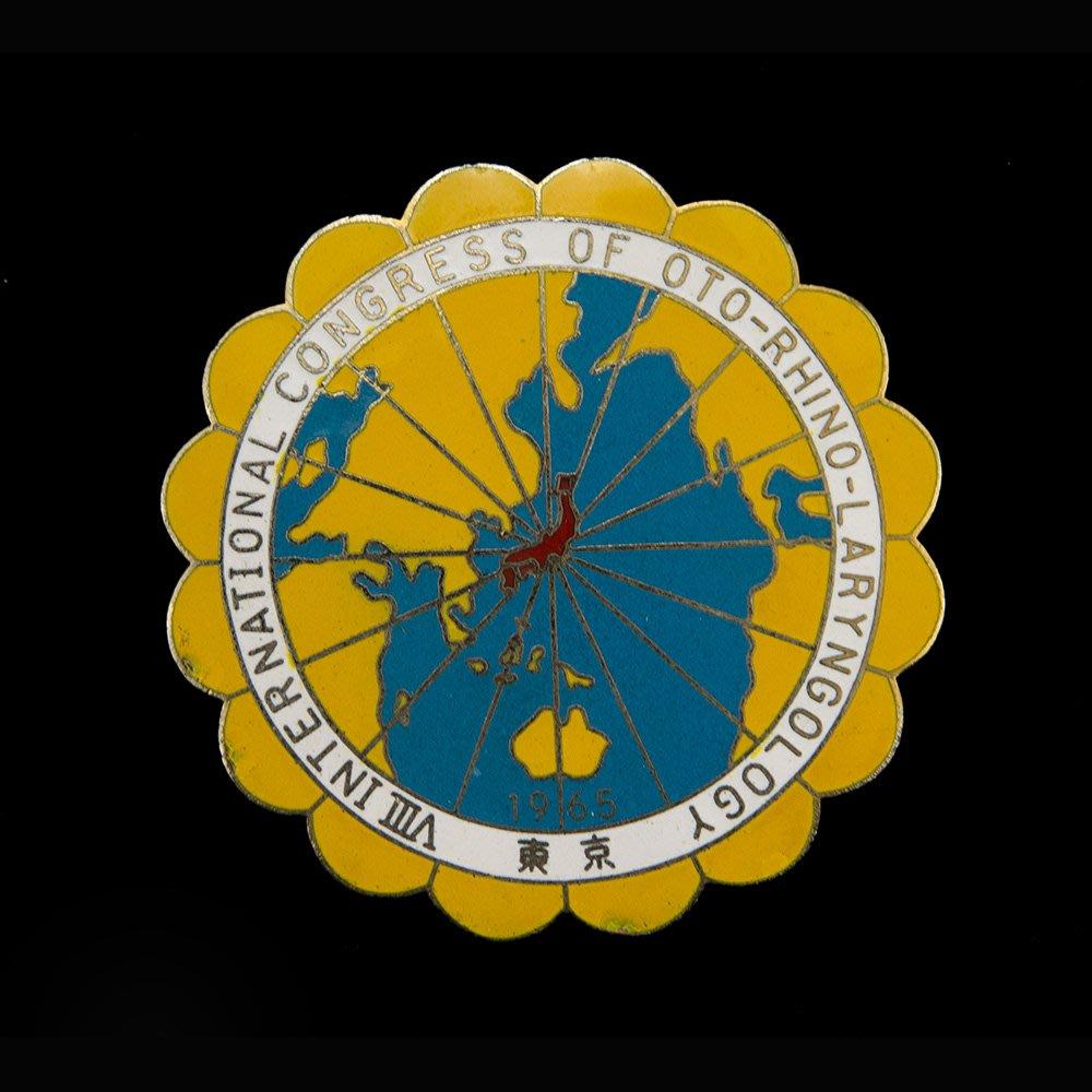 YUCD第八回1965年國際耳鼻咽喉科學會議紀念章(中美國軍.華美空軍.抗戰光復.勳獎章.胸章可參考)180421-14