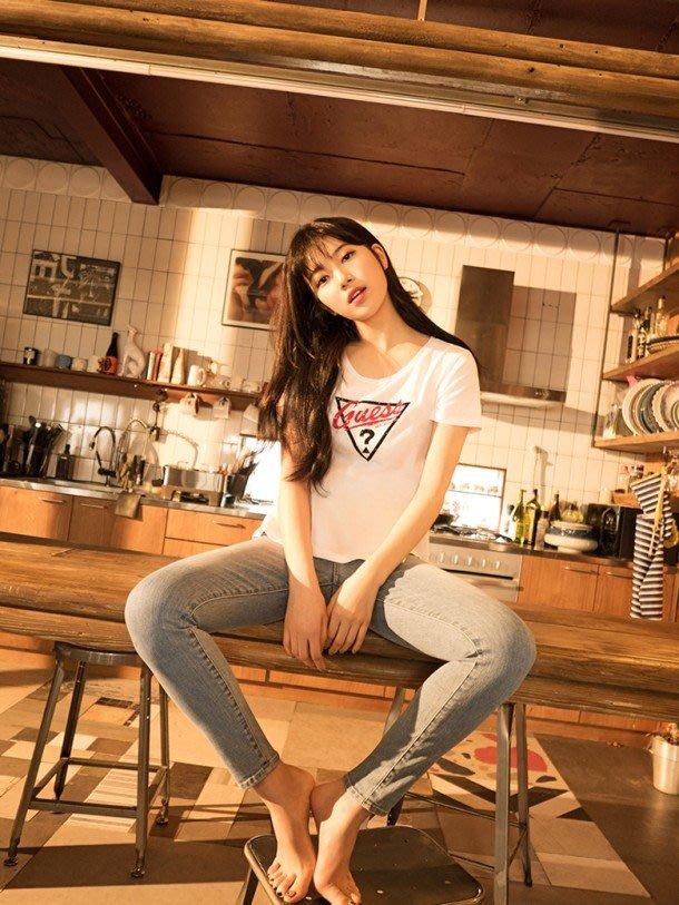 *Mars*全新真品 超搶手 韓國代購 GUESS Logo 短袖 倒三角 秀智 YI2K1485