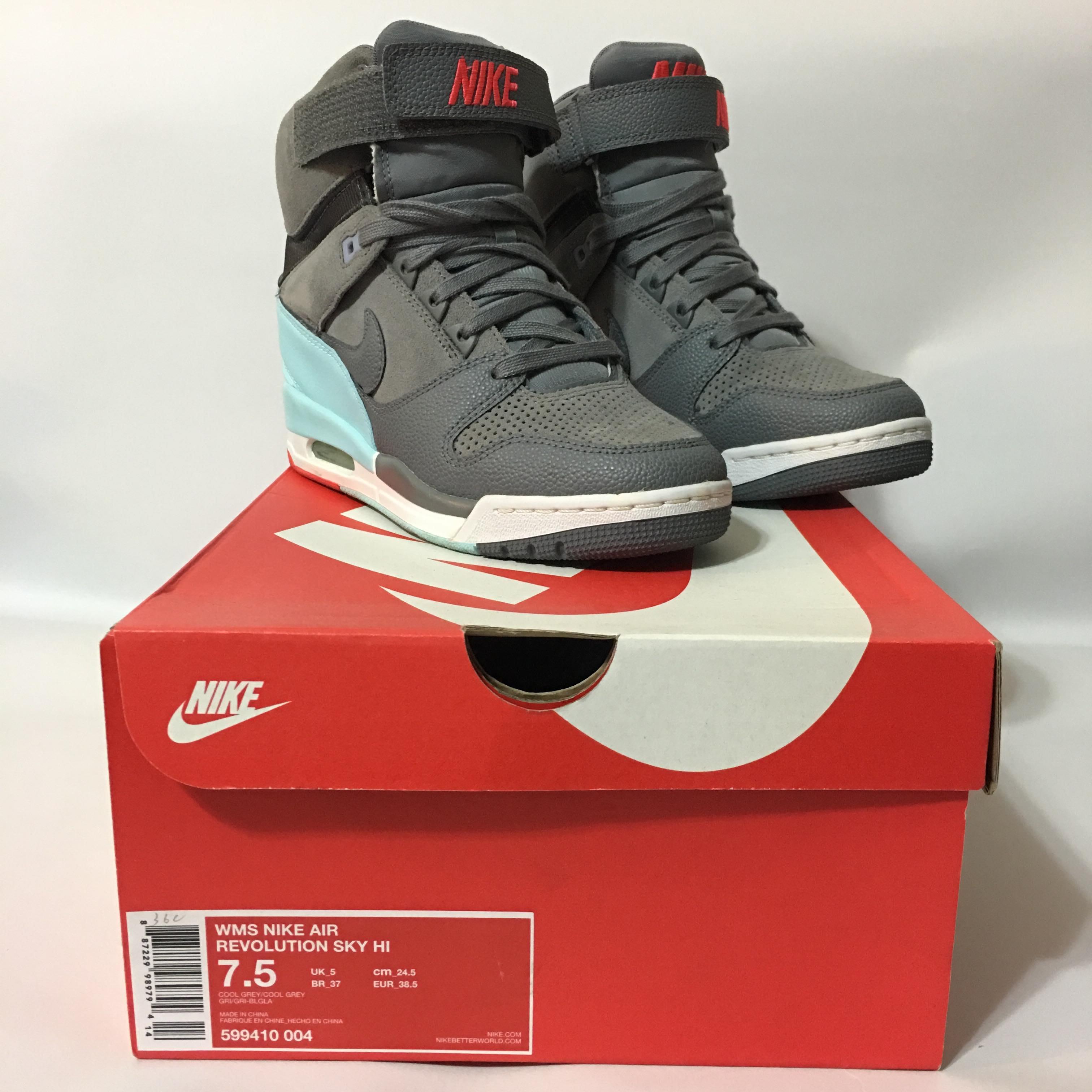 Nike WMNS Air Revolution Sky Hi US7.5