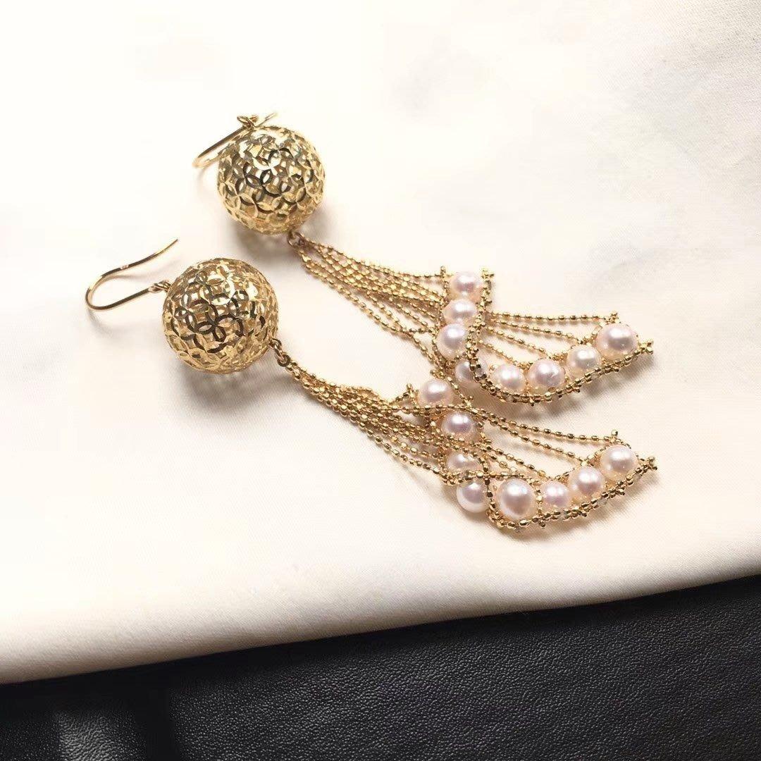 【伊荳晶品館】意大利工藝,繡球耳環。18k黃金,4-5mm日本akoya海水珍珠。總長7釐米。