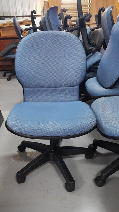 樂居二手家具 家電 全新中古傢俱賣場 CE1027CJJ 藍色布面辦公椅*OA椅 書桌椅 電腦椅 洽談椅 2手辦公家具