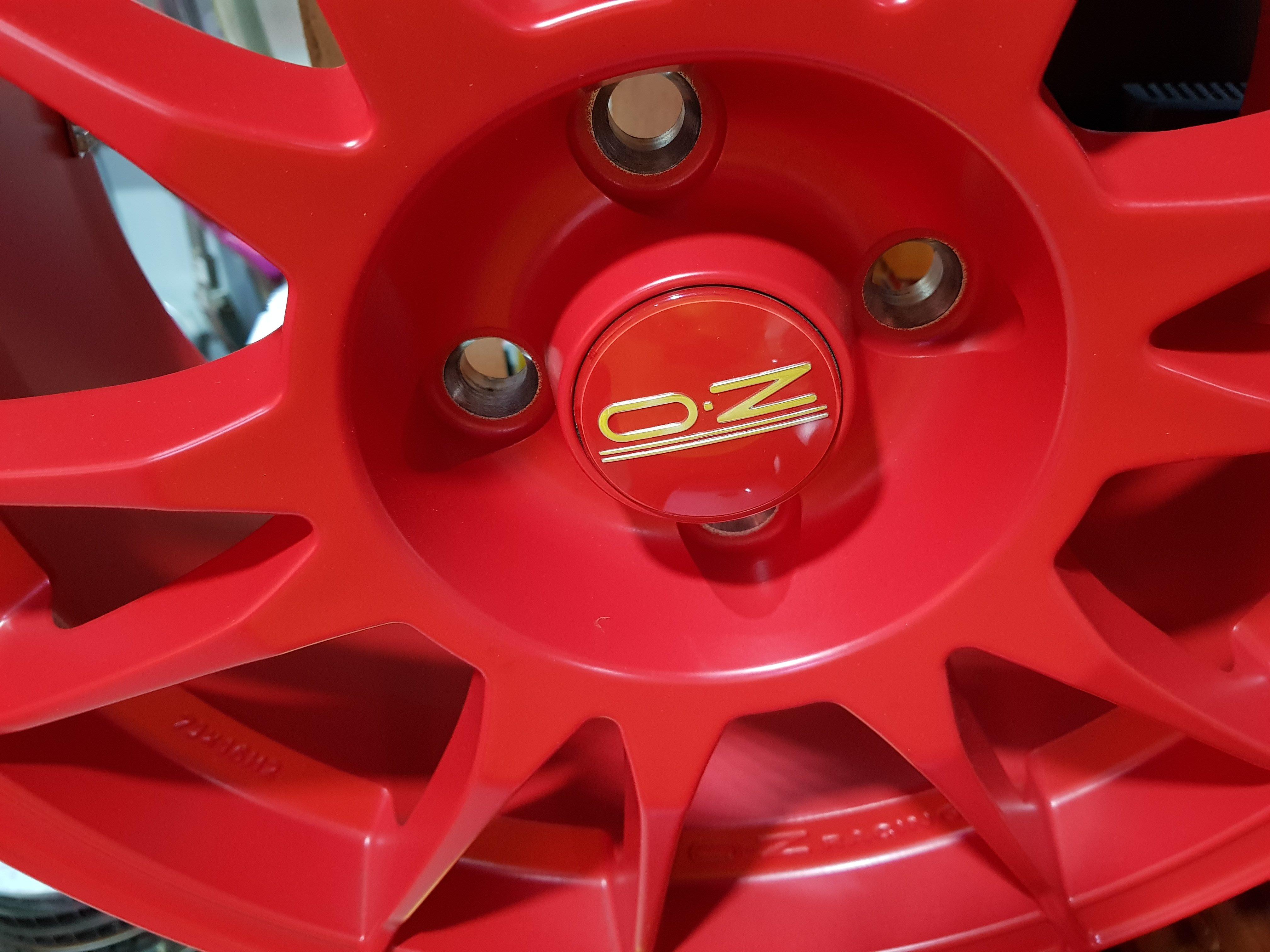 正OZ 鍛造鋁圈 4孔100 輕量化鋁圈 OZ鋁圈 16吋鋁圈 OZ (只有一組7J)205/45/16 AD08r