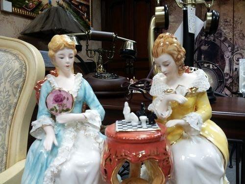 美生活館 傢飾精品 歐式古典 陶瓷 仕女下棋  擺飾 入宅 送禮 收藏 自用皆宜