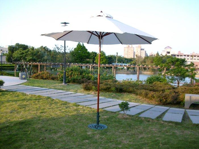 [兄弟牌休閒傢俱] 7尺木柄遮陽傘-米白色(展開直徑210cm)~木柄木骨~空間南洋風造景!