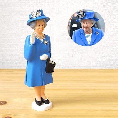 轻工业本舖[On Loft]正版美国KIKKERLAND 太阳能英国女王优雅挥手微笑模型-办公室最佳疗癒小物-交换礼物