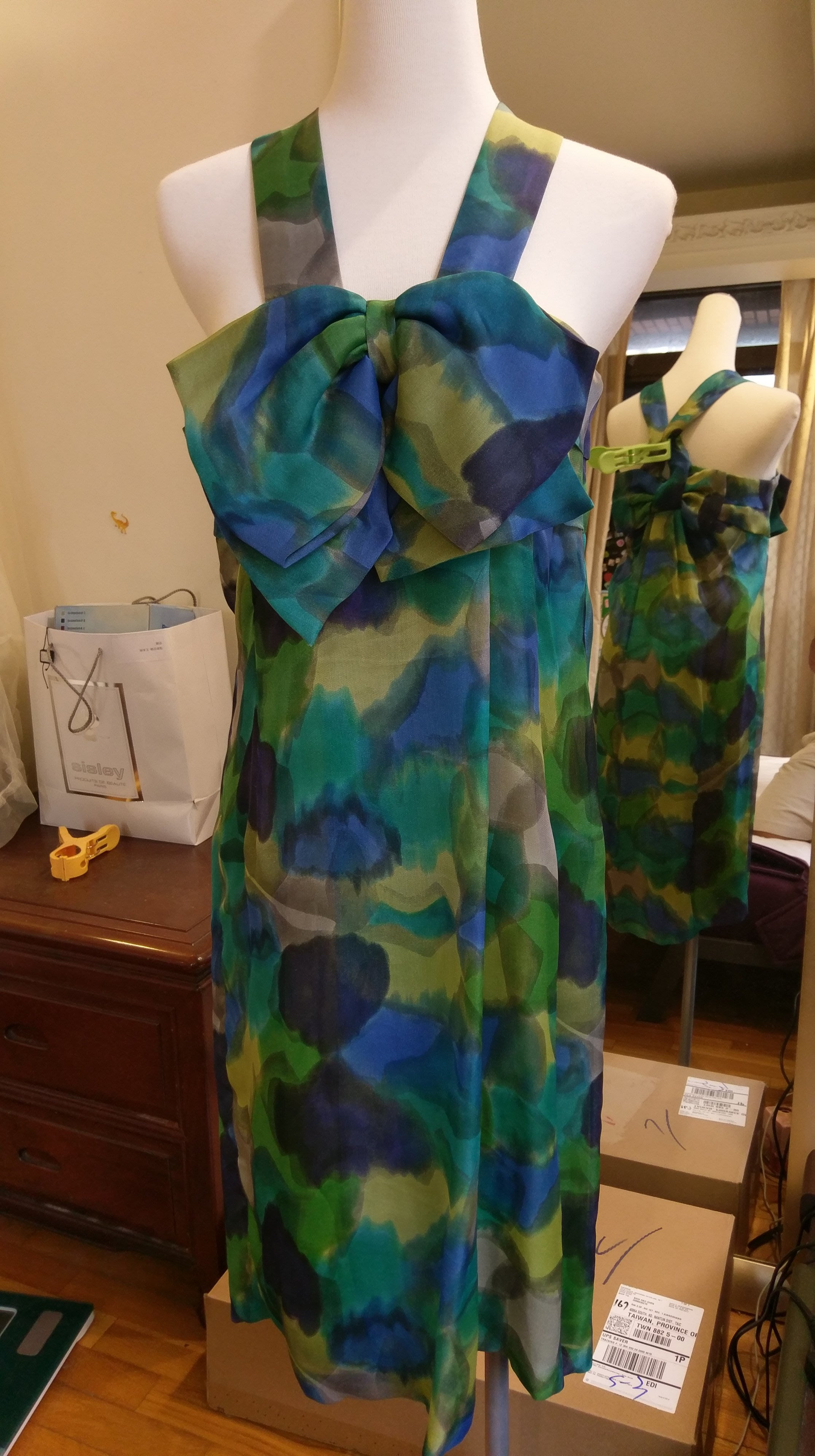 Christian Dior 九成新真品純蠶絲法國製手染洋裝/小禮服---1折出清