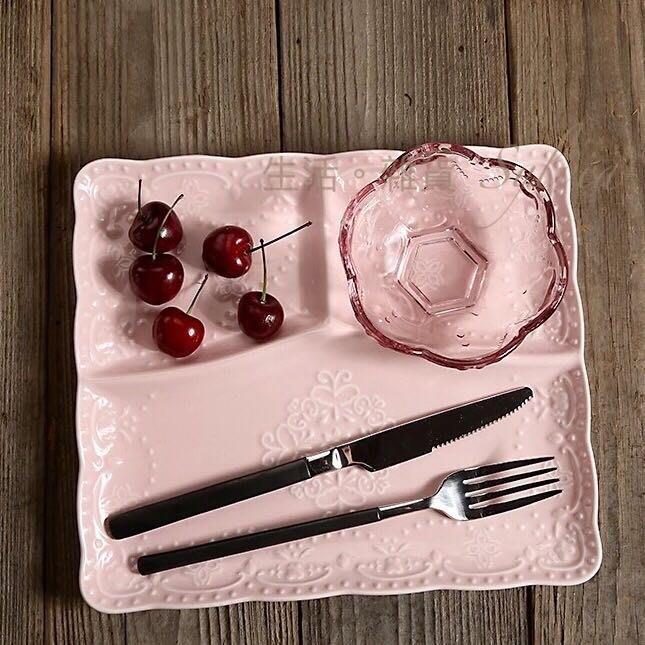 ❤生活。雜貨❤英式 蝴蝶 蕾絲浮雕 方盤 餐盤 分隔盤 三格 鄉村 田園 花邊 新古瓷 陶瓷 粉色 預購