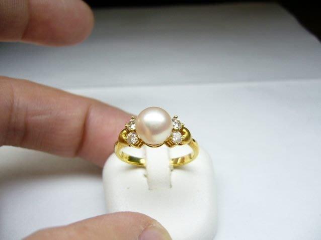 [吉宏精品交流中心]7.7mm 白色 天然珍珠 32分(4P)天然鑽石 黃K金 戒指