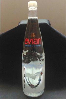 愛維養evian紀念瓶(1999年)