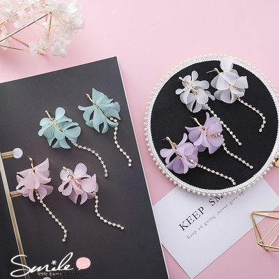【DJW8402】SMILE-透明花瓣花朵水鑽長流蘇耳環
