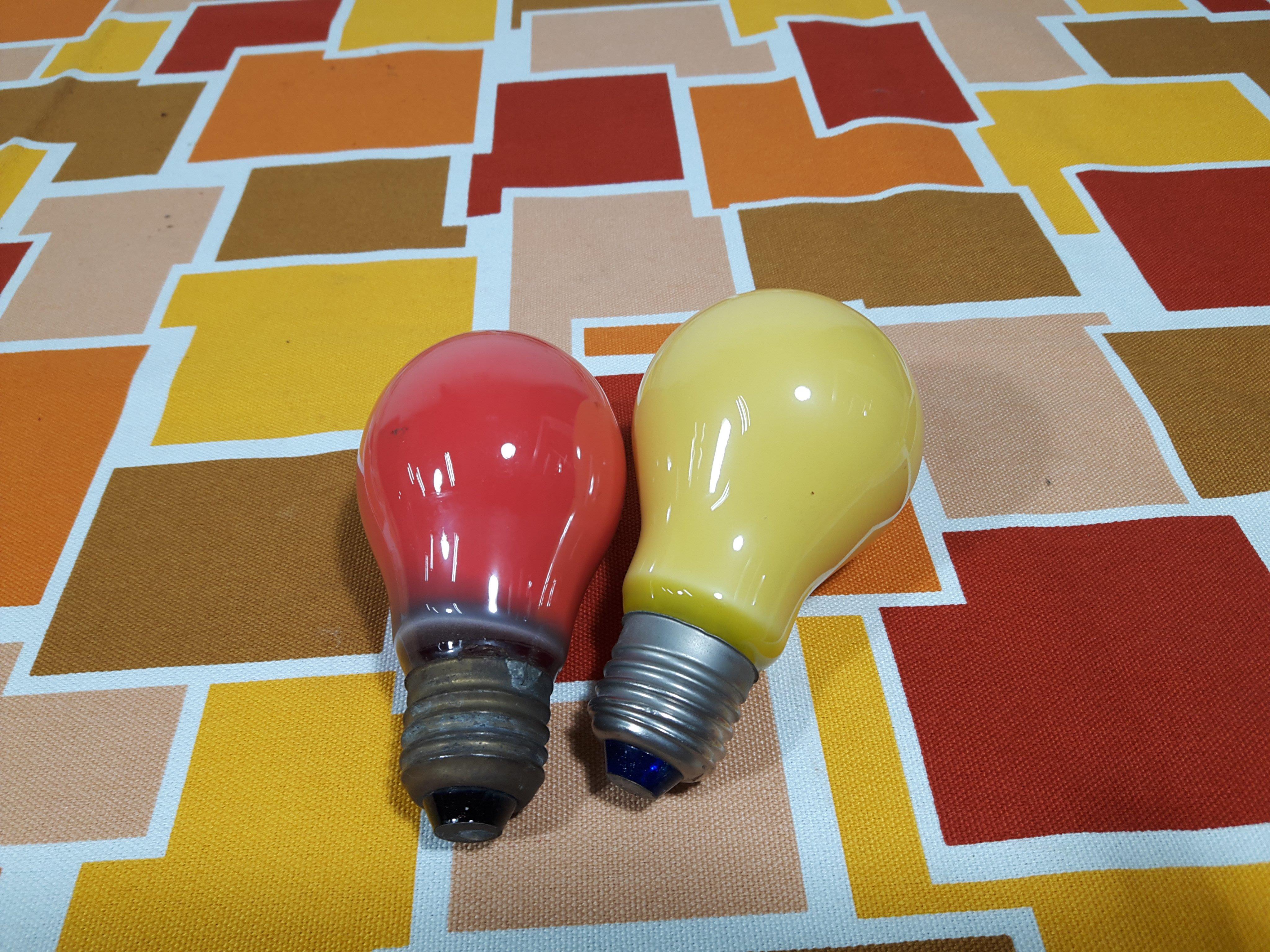 早期彩色燈泡( 橘色黃色)