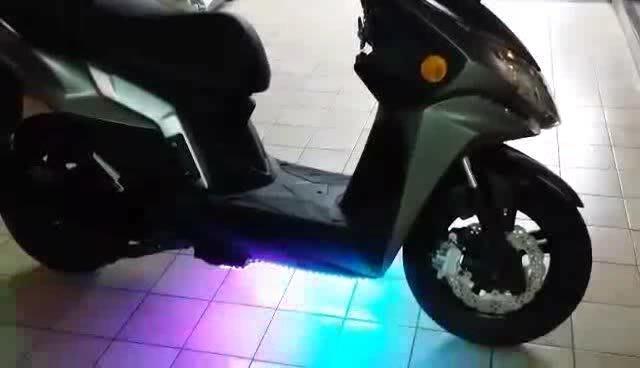 DIY 可遙控開關 套裝 機車車底燈一套左右2條 附遙控器 整套接上電源即可使用 新型LED幻彩軟燈條 防水 汽機車改裝