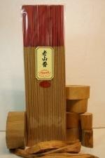 【壽馨堂】東加老山手工立香,清聞芬芳老山檀香味,正區正味,通過CNS檢驗,原木原味.300g/每包