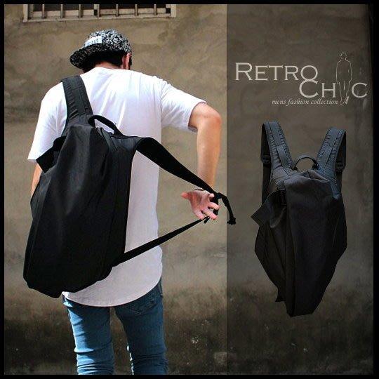 。R.C。2015 Vogue.獨家設計包款!! 挺實帆布皺褶造型 modern.蝙蝠包.人體工學後背包!!~特惠850