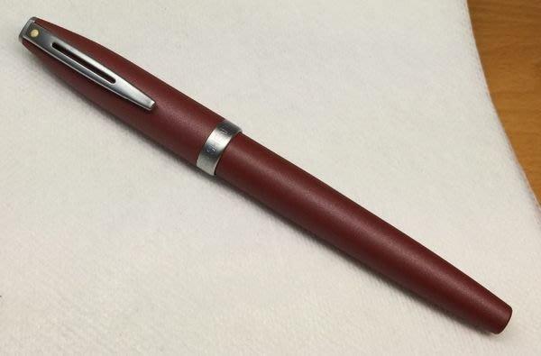 威利的鋼筆世界【西華新款平價鋼筆大集合】全新SHEAFFER 淺紅色烤漆鋼筆 F