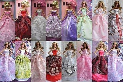 芭比娃娃禮服5件+時裝套裝4件~400...