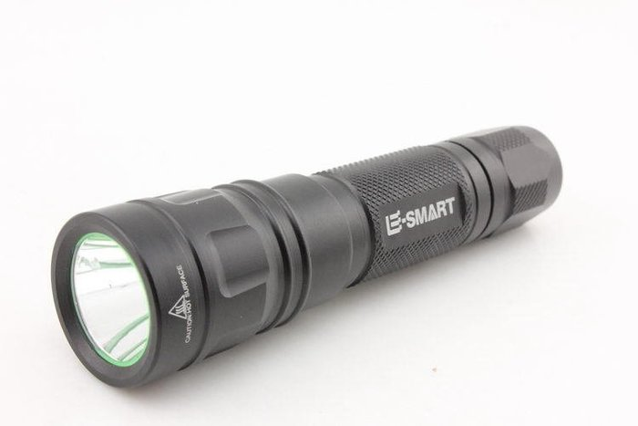 【亞昕光電】E-SMART 進口 CREE XM-L2神火F12 戶外強光手電筒5檔1198流明 充電18650【全配】