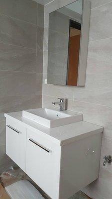 鋁框明鏡吊櫃 知名品牌瓷器 浴櫃組合 整組獨家出售 熱賣款 //成舍衛浴// 台中 工廠