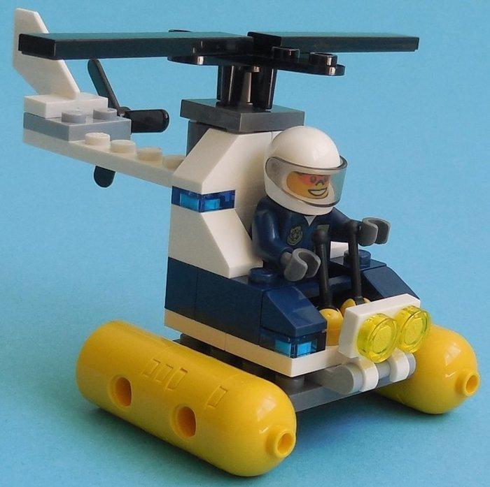 現貨【LEGO 樂高】全新正品 益智玩具 積木/ 城市系列 CITY: 汽艇警察直升機(含人偶) 30311 袋裝