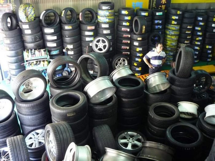 一條便宜4200元 275/70/16 日本安靜胎 新胎8400元 賣您4200元 只有4條 買一送一 16吋輪胎