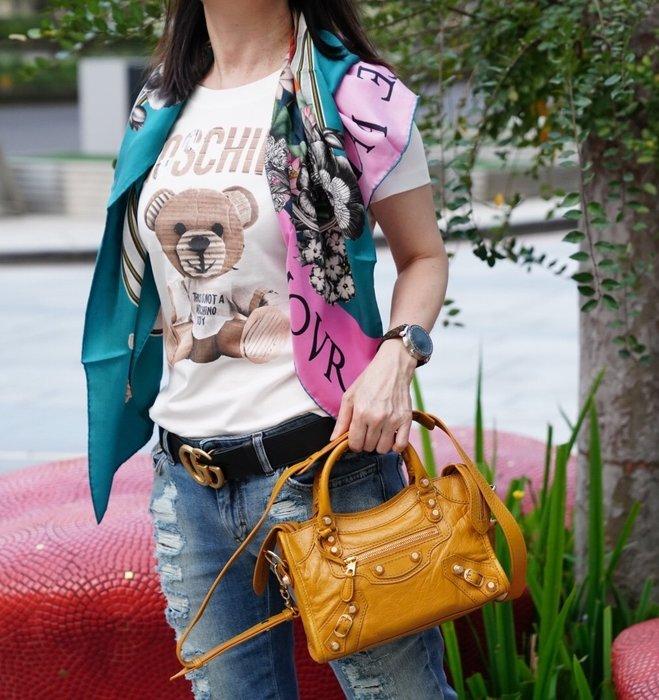 Gucci 452703 silk scarf 雙象絲巾現貨 39a000c4b7d03