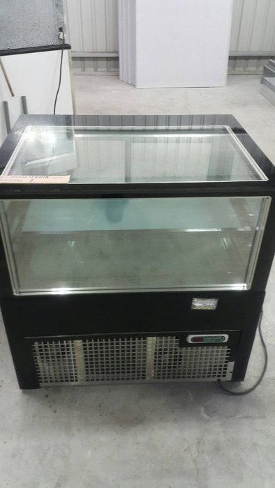 達慶餐飲設備 八里展示倉庫 二手商品 NEO-FREEZE3尺蛋糕櫃