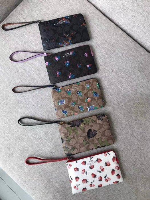 我愛名牌COACH包 美國100%正品【清倉低價出售購買兩件免運】59824新款PVC女士手拿包  手腕包 零錢包