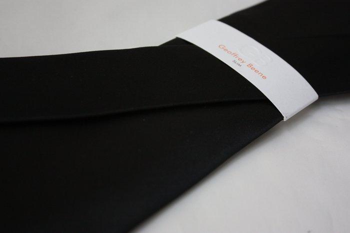 【GEOFFREY BEENE】全新正品 素面緞面領帶-黑色【窄版7cm】*領帶兩條95折三條9折*GB57