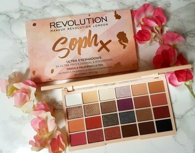 【愛來客 】英國Makeup Revolution Soph Eyeshadow Palette 24色眼影盤