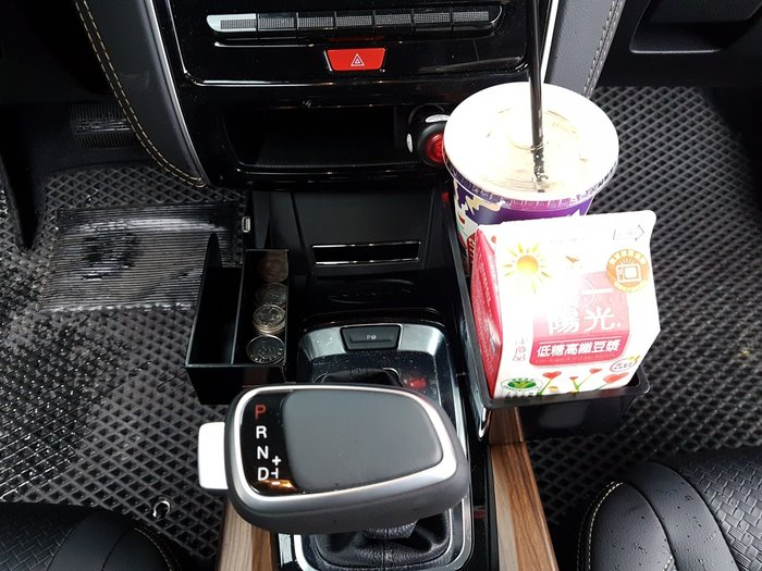 LUXGEN納智捷【U6GT/GT220置物飲料杯架】全新GT220 U6GT專用杯架 車內手機架座 零錢收納盒 眼鏡盒