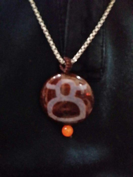 西藏天珠材質財神圖騰瑪卡石項鍊墬 黃金龍麟玉髓 天然純淨老礦新採磁場乾淨 能量強【東大開運館】