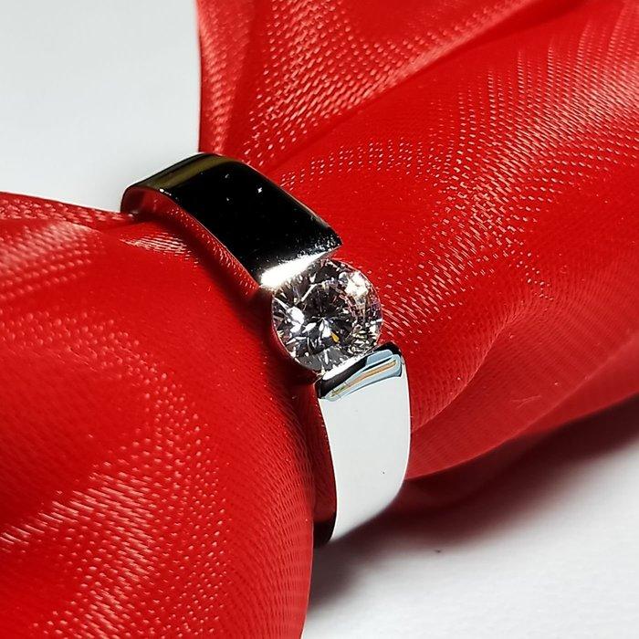 特價鑽戒一個的純銀包白金0.5克拉男女對戒不退色 德國工藝 高碳仿真鉆石鉑金質感肉眼看就似真鑽 結婚婚戒 ZB鑽寶