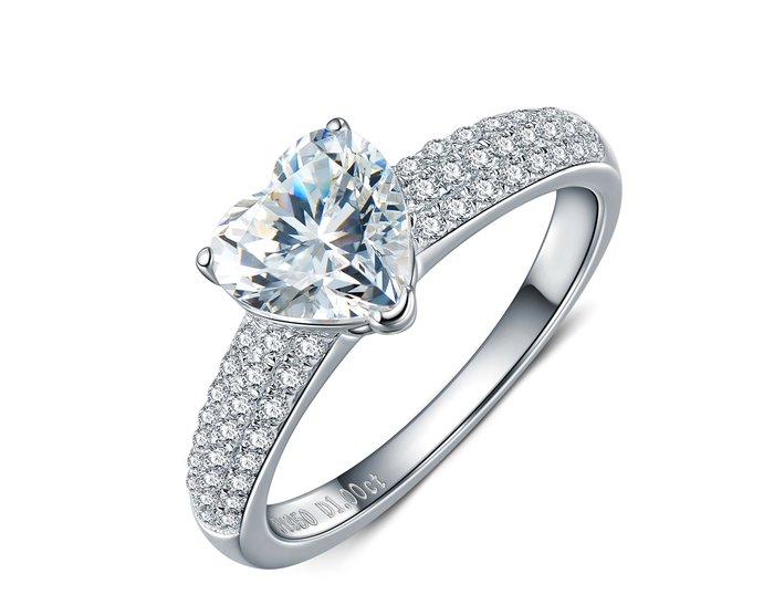 韓版純銀心型戒指 微鑲飾品 主鑽1克拉高碳鉆石 定制鉑金18K純銀戒指 高碳仿真鑽石  FOREVER鑽寶