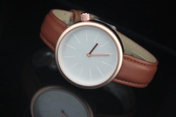 韓風秀氣清爽無logo玫瑰金色錶殼,隱藏式刻度時尚經典款風格棕色錶帶造型石英錶