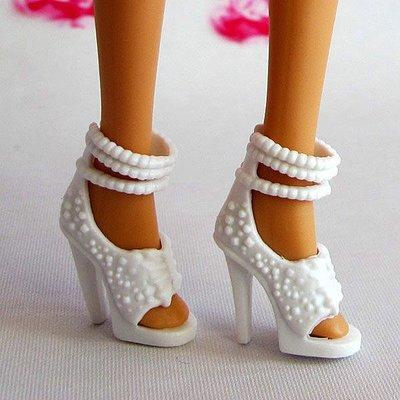 編號11--正版芭比娃娃鞋子~可兒娃娃鞋子~白色典雅秀氣鞋
