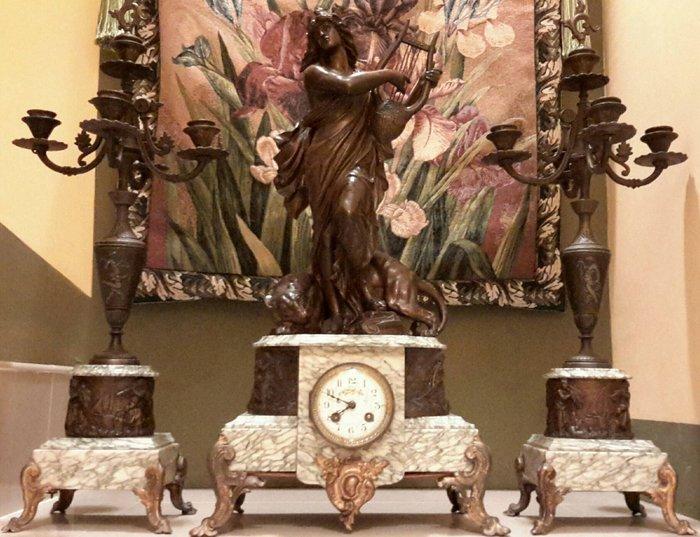 【波賽頓-歐洲古董拍賣】歐洲/西洋古董 法國古董 19世紀 拿破侖三世風格 大理石老壁爐機械式座鐘暨兩座大理石5燈燭台