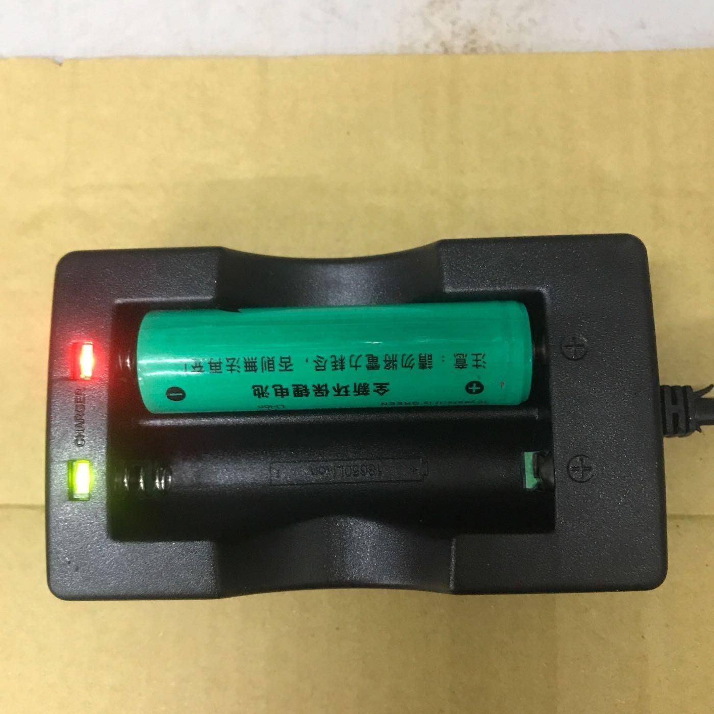 帶線充電器 / 18650 充電器 / 18650鋰電池充電器 / 帶線雙充