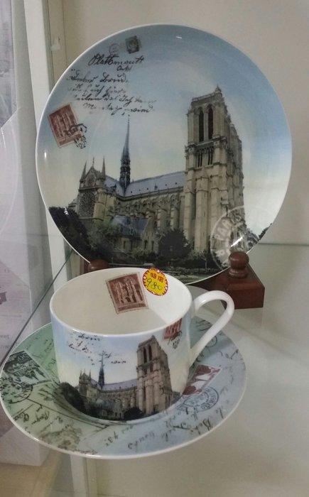 美生活館---全新進口經典巴黎景點骨瓷杯 咖啡杯三件組禮盒--聖母院 --促優 980元