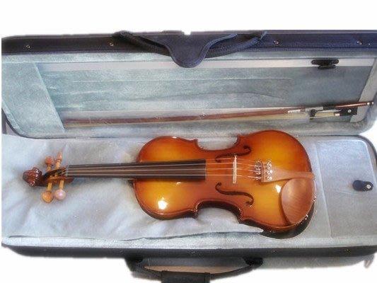 【六絃樂器】全新台灣楓葉牌 #106 小提琴 台南維音工廠製造 / 配德國Tonica琴絃 加附肩墊