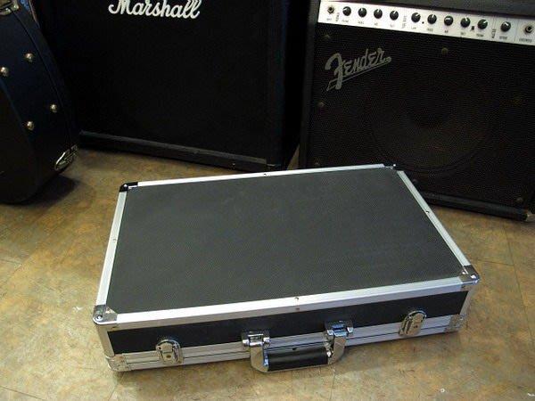 ☆ 唐尼樂器︵☆全新加厚塑料(非市面薄薄那種)高級電吉他效果器盒 Case (大型 72*34*12公分)